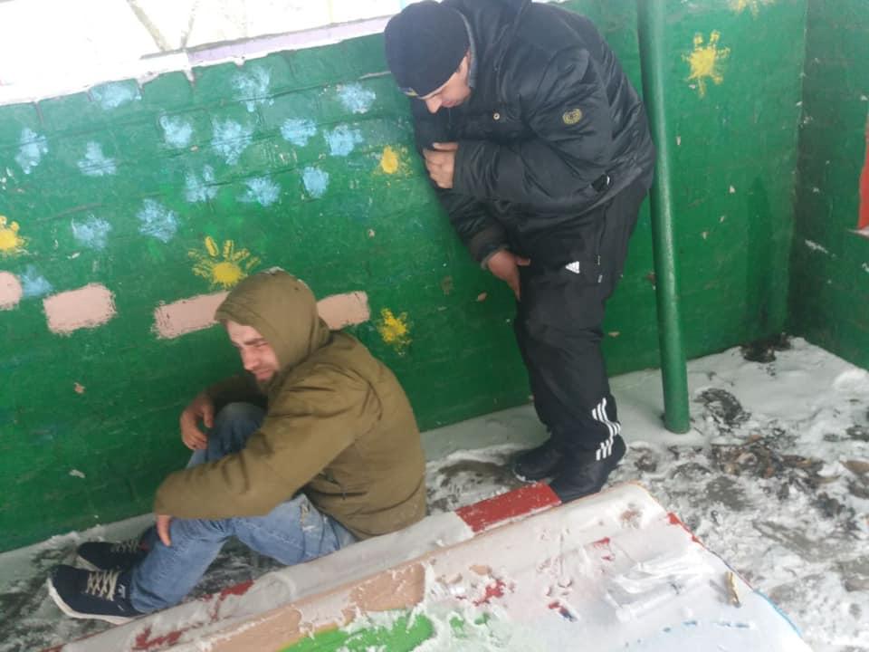 Двоє молодиків намагались вжити наркотики на території дитсадка у Білій Церкві, фото-3