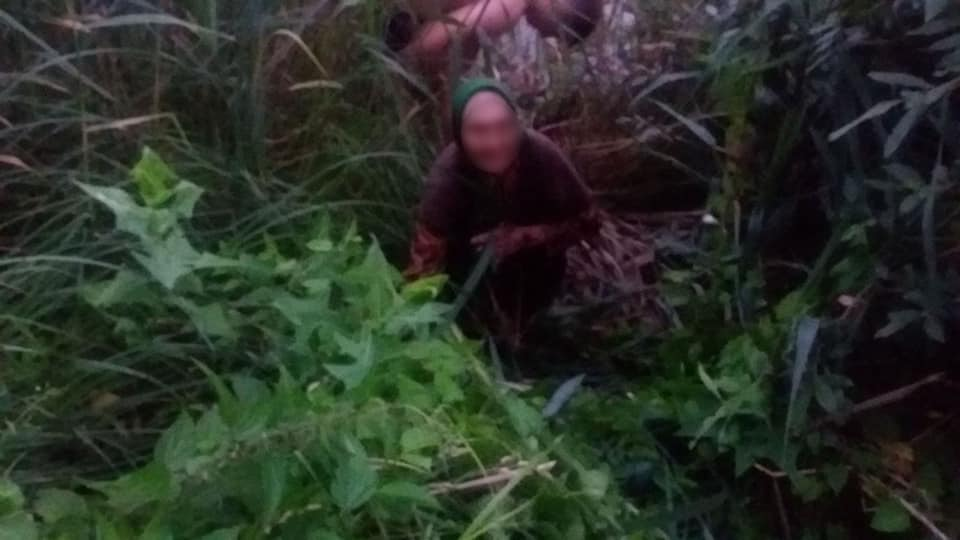 На Білоцерківщині з водяної пастки 90-річну бабусю витягнули поліцейські, фото-2