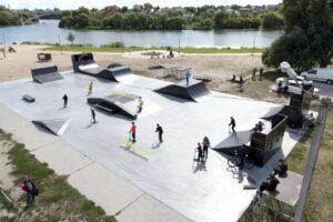 скейт парк біла церква, відкрили скейт парк у білій церкві, скейтпарк біла церква, скейт парк бц, скейт парк на вокзальній