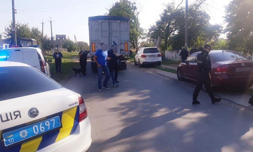перекрили дорогу на білоцерківщині, перекрили дорогу в чупирі