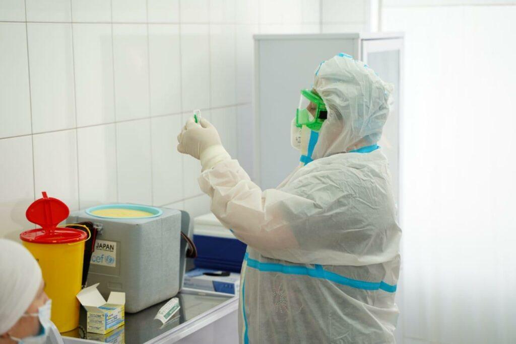 Щеплення проти Covid-19 на Київщині першою отримала лікарка з Броварів, фото-2