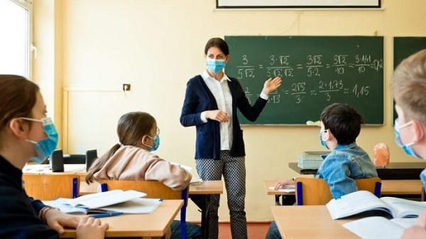 вакцинація вчителів, скільки вчителів вакциновано