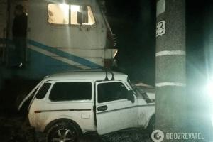 п'яний водій врізався в електричку